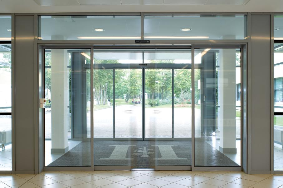 Sensored Sliding Auto Door Solution